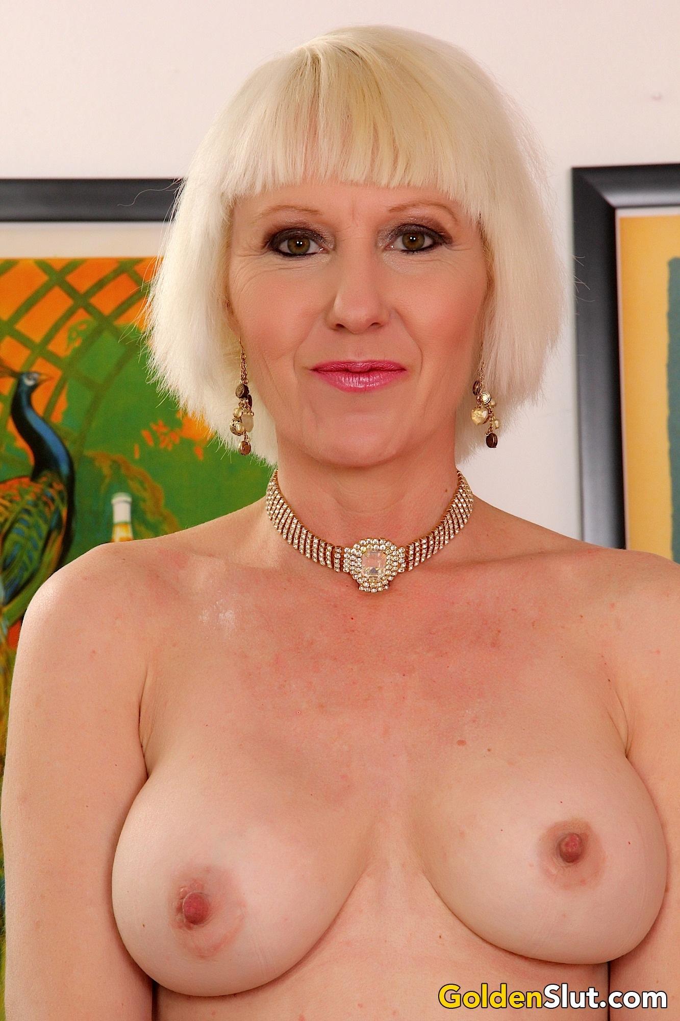 Sexy Granny Dalny Marga Gets Naked  Golden Slut-9923
