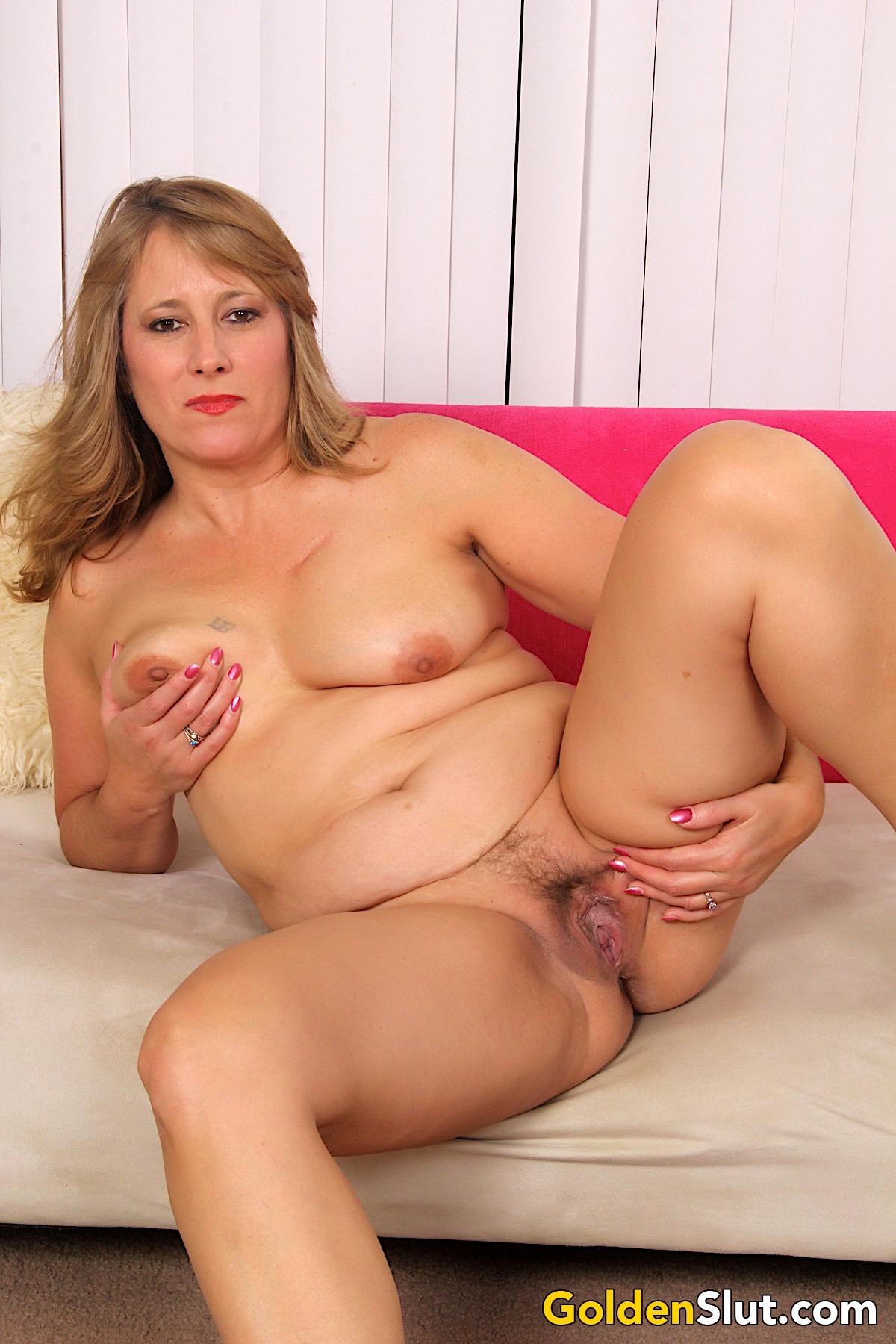 Sexy Mature Woman Catrina Costa Gets Naked  Golden Slut-7219